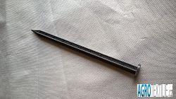 Hřeb plastový k obrubníku 25cm